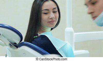 précédent, malade dentaire, dentiste, traitement