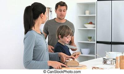 préparation déjeuner, famille