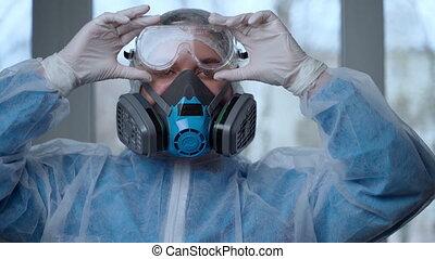 prêt, coronavirus, jour, clinique, complet, concept., medic, femme, danger, masque, protection, femme, weaing, gants, covid-19, lunettes, épidémie, protecteur, ou, pandémie, docteur, respiratoire, portrait, hospital., pendant, complet, coronavirus, fonctionnement, obtenir
