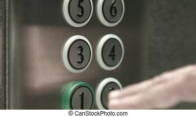 presses, troisième, plancher, bouton, ascenseur, homme