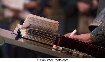 prier, prêtre, bible, livre, église