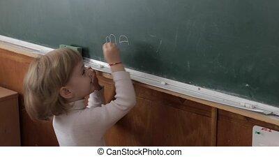 processus, tableau noir, craie, utilisation, girl, education, dessin, classroom.