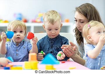 prof, jeu, toys., moulé, children., peu, gosses, argile