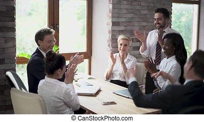 professionnels, donner, créatif, haut-cinq, excité