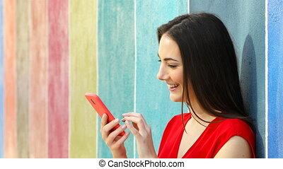 profil, femme, coloré, téléphone mur, utilisation