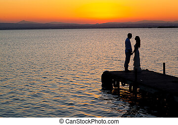 profil, lumière, couple, dos, coucher soleil, mer, orange