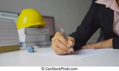 profondeur, dessiner, coup, bureau, peu profond, haut, architectes, champ, stylo, papier, traite, femme, utilisation, fin, blanc rouge