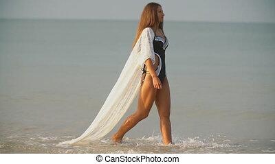 promenades, girl, mer
