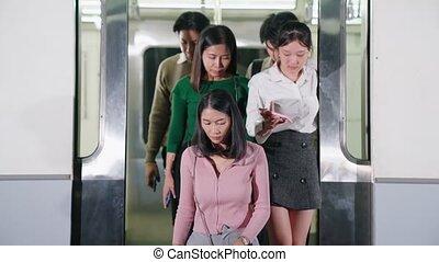 public, occupé, gens, bondé, foule, voyage train, métro