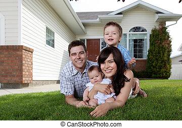 quatre, famille, bas, herbe, mensonge, heureux