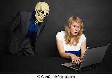 quel, femme, horreur, expériences, internet, scie, il