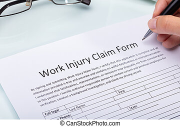 réclamation, femme, formulaire, travail, remplissage, blessure