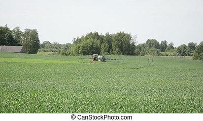 récolte champ, tracteur