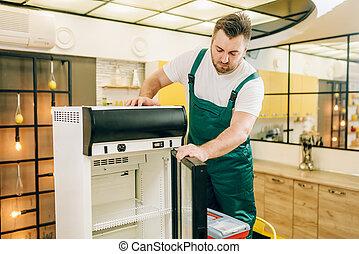 réparation, boîte outils, ouvrier, réfrigérateur, maison