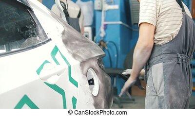 réparation, coup, service., voiture, ouvrier, dos, glisseur, gants, voiture.