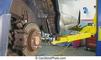 réparations, soulevé, fixation, service, voiture, ouvrier, détail, automobile