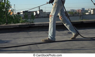 réparer ouvriers, toit, maison