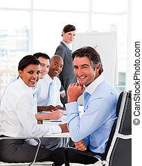 réunion, equipe affaires, multi-ethnique