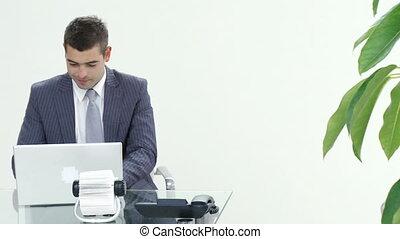réussi, bureau fonctionnant, homme affaires