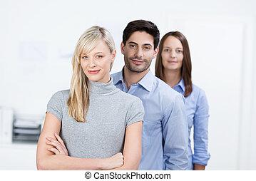 réussi, confiant, equipe affaires