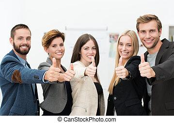 réussi, motivé, equipe affaires