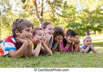 rang, enfants, sourire, peu