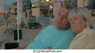 recours, couples aînés, délassant