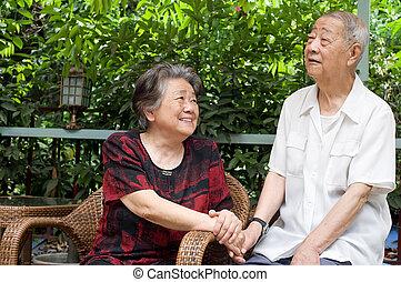 regard, couple, autre, chaque, personne agee, lovely.