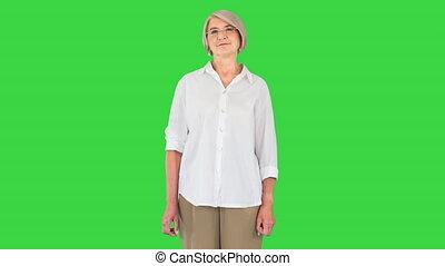 regarder, écran, personne agee, vieux, appareil photo, femme, lunettes, vert, heureux, chroma, key., grand-maman, moderne