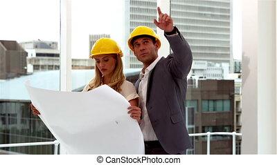 regarder, architectes, deux, plan