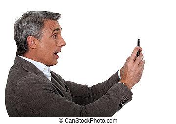 regarder, attrapé, sms, homme