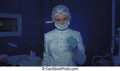 regarder, coronavirus, portrait, masque, appareil-photo., stop., docteur, monde médical, jeune, femme