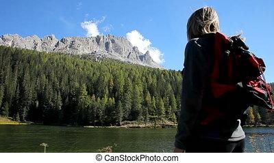 regarder, montagnes, femme