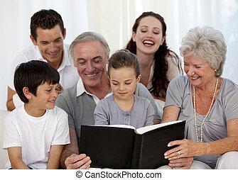 regarder, photographie famille, album
