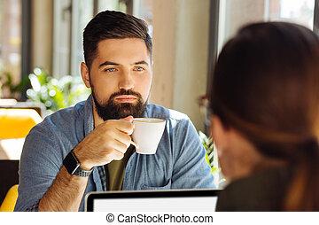 regarder, sérieux, concentré, sien, collègue, homme