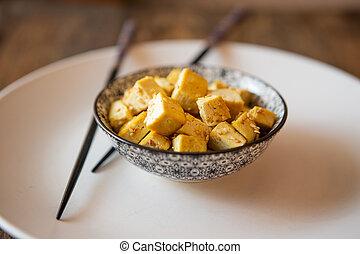 remuer, tofu, essayer, bol, graines, curry, sésame