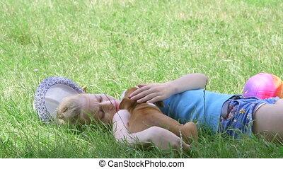 reposer, chiot, été, ombre, enfant, herbe, jour