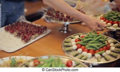 restauration, desserts, légumes, préparer, plateaux