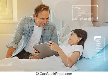 rester, tablette, elle, hôpital, moderne, père, enfant, apporter, malade