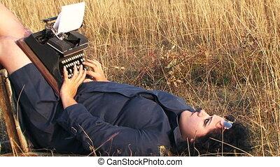 rigolote, femme, nature, vendange, dactylographie, chaise, mensonge, machine écrire