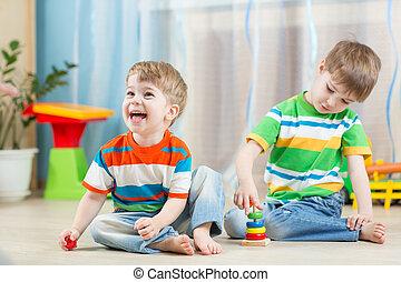 rigolote, jeu, intérieur, enfants, jouets