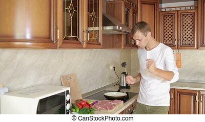 rigolote, viande, danse, nourriture, cuisine, battements, préparer, type, homme, marteau