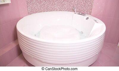 robinet, faucet., verse, chrome-plaqué, couler, eau, ralenti, élégant, bathroom., gros plan, 4k, dehors
