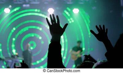 rocher, partying, concert, vert, étape, homme, lumière, devant, silhouette