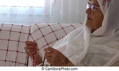 rosaire, prie, femme, vieux