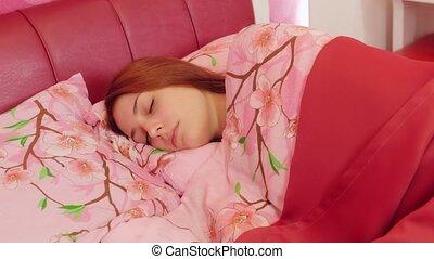 rose, femme, tourner, lancer, bed., dormir