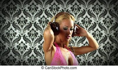 rose, malibu, coup, danse, écouteurs, gogo, poser, sexy, professionnel, lis