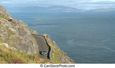 route, falaise, voiture, mer, étroit, sur