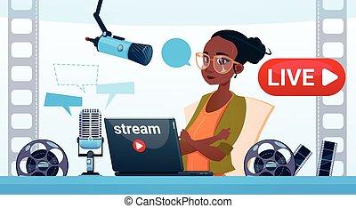 ruisseau, femme, ligne, vidéo, blogger, blogging, concept, souscrire