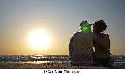 séance, couple, jeune, baisers, plage, aimer